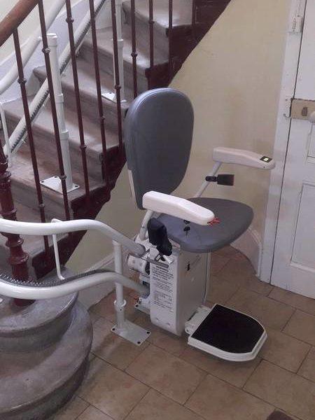 Installation d'un siège monte-escalier à Sarras en Ardèche (07)