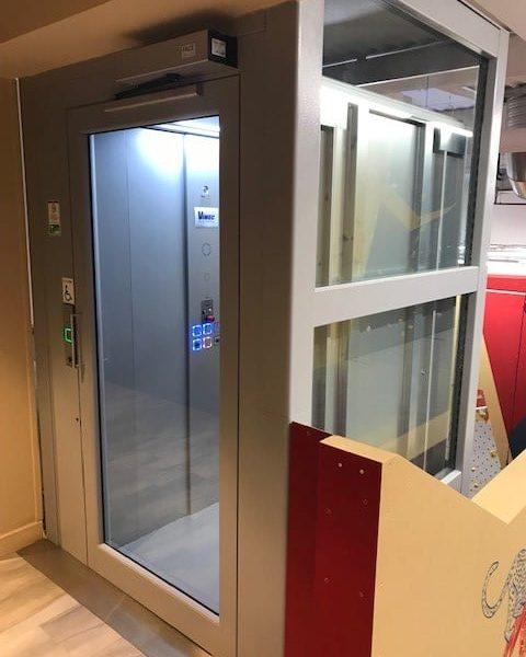 Installation d'un ascenseur PMR à Limonest dans le Rhone