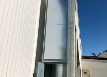 Installation d'un monte charge extérieur à Maclas dans la Loire (42)