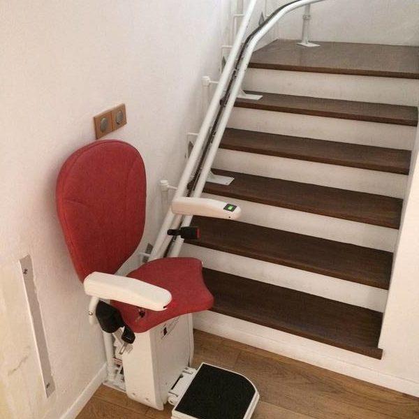 Installation d'un siège monte-escalier à Annonay en Ardèche (07)