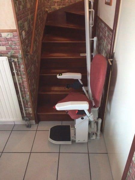 Installation d'un siège monte-escalier à St Genis Laval dans le Rhone
